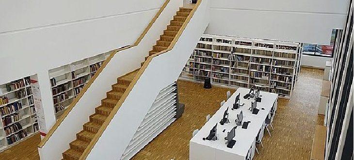 Beitragsbild Online-Colloquium - Lesesaal Bibliothek