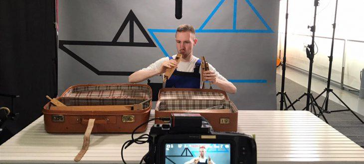 Orgelbauer Fröhlich auf dem Musikfrachter