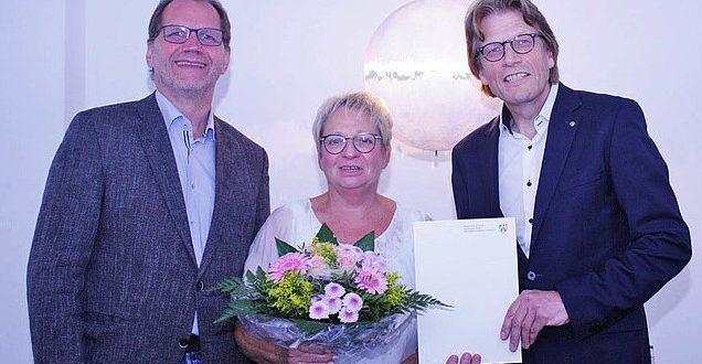 Gaby Depner mit Rektor Prof. Grosse und Kanzler Bertels