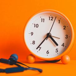 Slider Uhr mit orangem Hintergrund